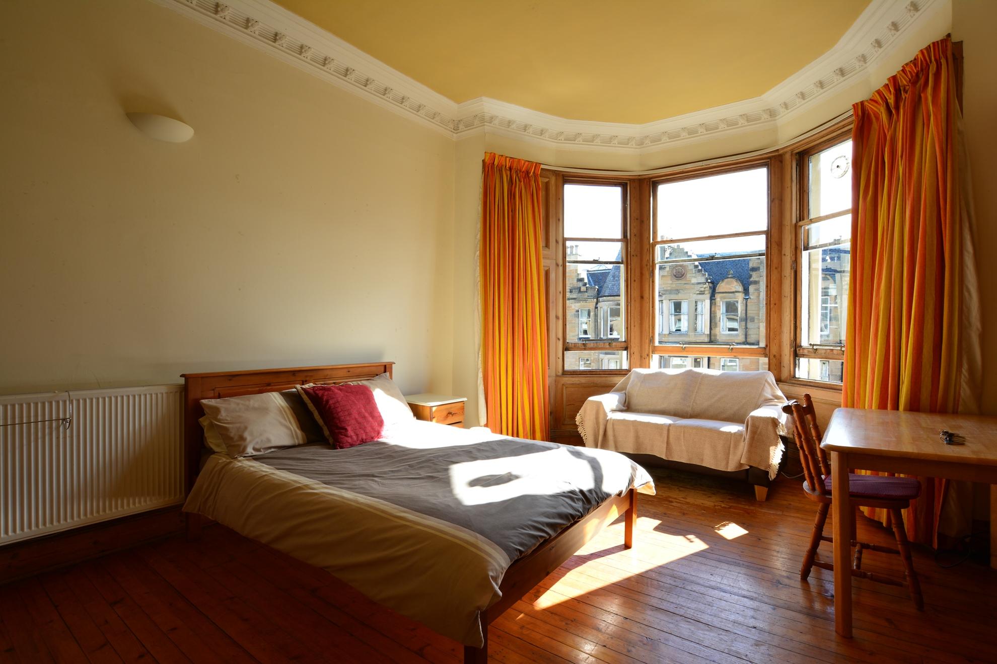 Marchmont Road - Edinburgh Festival Flat -5 bed